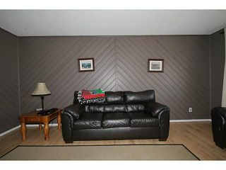 Photo 4: 235 RUNDLECAIRN Road NE in CALGARY: Rundle Residential Detached Single Family for sale (Calgary)  : MLS®# C3636515