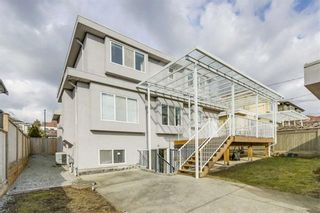 Photo 18: 1576 W 58TH Avenue in Vancouver: South Granville House for sale (Vancouver West)  : MLS®# R2453216