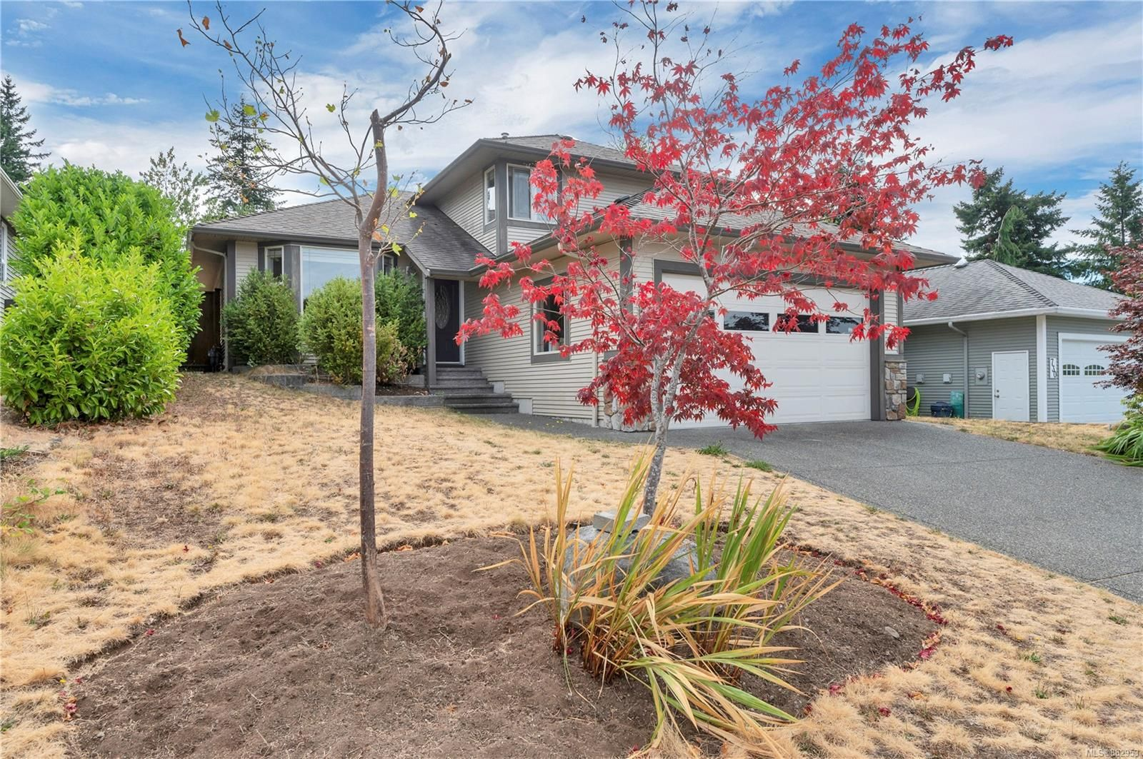 Main Photo: 732 Oribi Dr in : CR Campbell River Central House for sale (Campbell River)  : MLS®# 882953