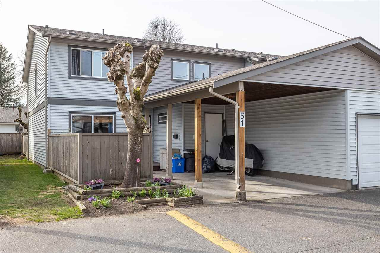 """Main Photo: 51 46689 FIRST Avenue in Chilliwack: Chilliwack E Young-Yale Townhouse for sale in """"Mount Baker Estates"""" : MLS®# R2552710"""