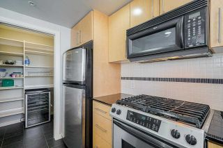 """Photo 31: 2306 550 PACIFIC Street in Vancouver: Yaletown Condo for sale in """"AQUA AT THE PARK"""" (Vancouver West)  : MLS®# R2580725"""