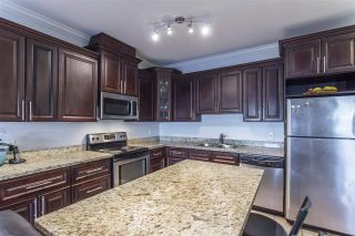 Photo 12: 302 22363 SELKIRK AVENUE in Maple Ridge: West Central Condo for sale : MLS®# R2413478