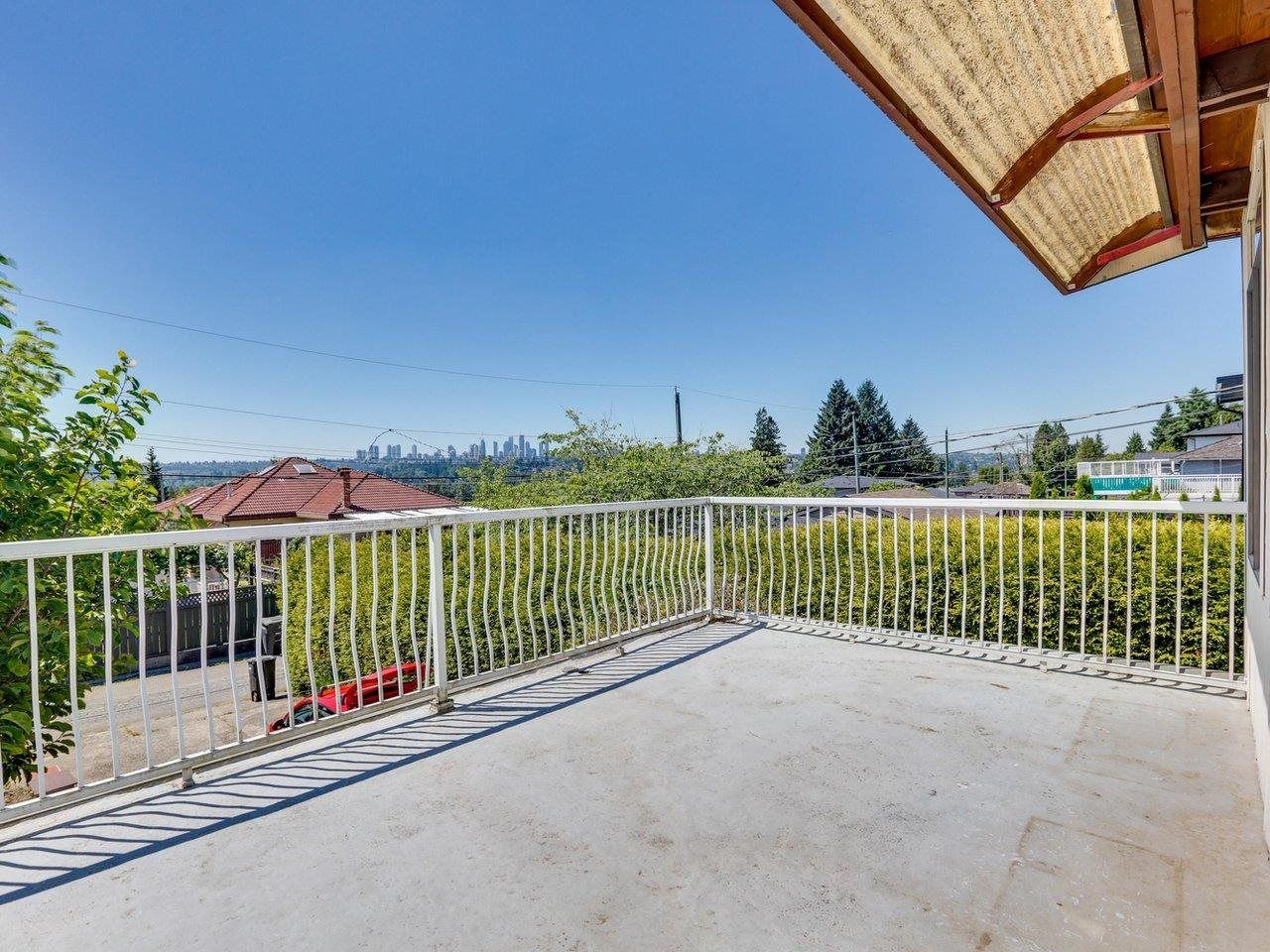 Photo 20: Photos: 6860 HYCREST Drive in Burnaby: Montecito House for sale (Burnaby North)  : MLS®# R2594917