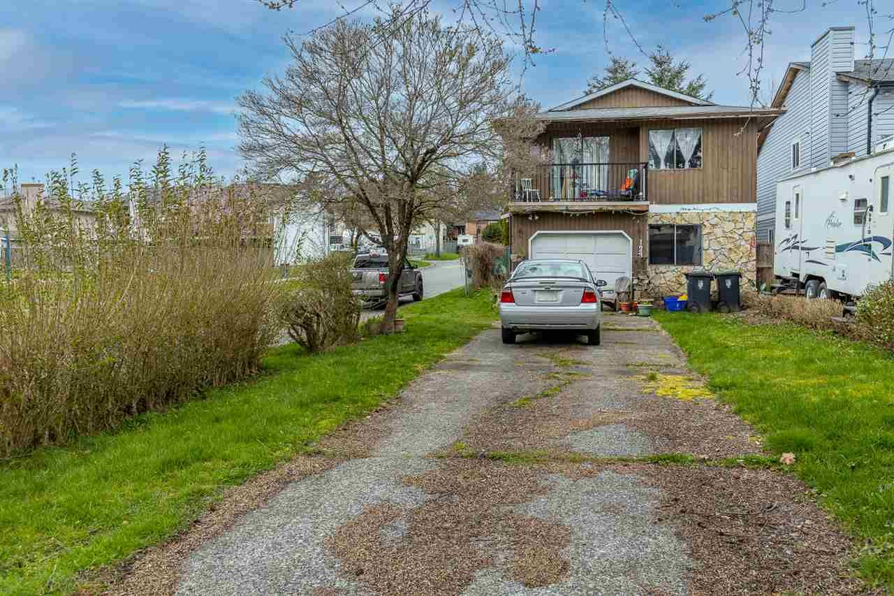 Main Photo: 123 SPRINGFIELD Drive in Langley: Aldergrove Langley House for sale : MLS®# R2563881