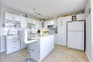 """Photo 12: 515 1442 FOSTER Street: White Rock Condo for sale in """"Whiterock Square III"""" (South Surrey White Rock)  : MLS®# R2495984"""