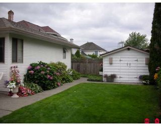 "Photo 9: 18567 60A Avenue in Surrey: Cloverdale BC House for sale in ""Eaglecrest"" (Cloverdale)  : MLS®# F2919005"