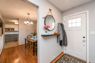 Photo 3: 664 19th St in Courtenay: CV Courtenay City House for sale (Comox Valley)  : MLS®# 888353