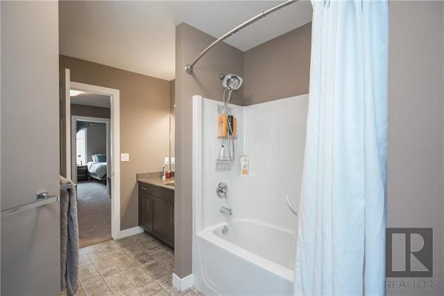 Photo 15: Photos: 39 Murray Rougeau Crescent in Winnipeg: Canterbury Park Residential for sale (3M)  : MLS®# 1822340