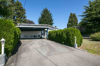 Photo 3: 1739 DANSEY Avenue in Coquitlam: Central Coquitlam House for sale : MLS®# R2100679
