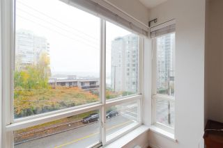 """Photo 11: 302 335 CARNARVON Street in New Westminster: Downtown NW Condo for sale in """"KINGS GARDEN"""" : MLS®# R2320982"""