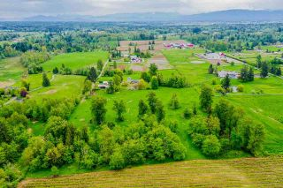 Photo 5: 385 240 Street in Langley: Campbell Valley House for sale : MLS®# R2577754