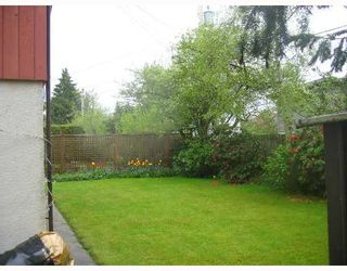 Photo 3: 8611 FAIRDELL Crescent in Richmond: Seafair House for sale : MLS®# V644649