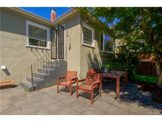 Photo 2: Photos: 1528 LONDON Street in New Westminster: West End NW House for sale : MLS®# V1136667