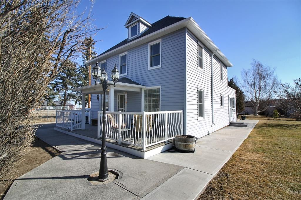 Main Photo: 5310 2 Street W: Claresholm Detached for sale : MLS®# A1081127