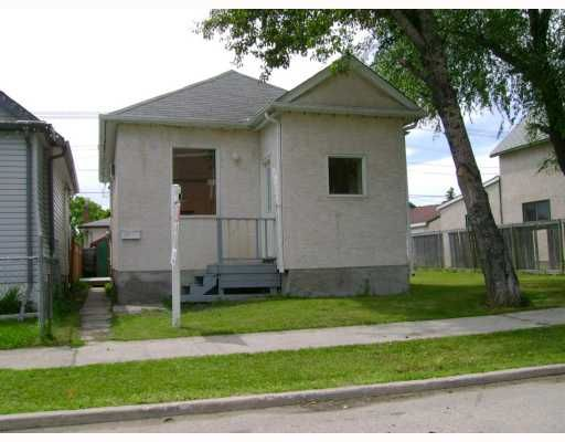Main Photo: 1386 ALEXANDER Avenue in WINNIPEG: Brooklands / Weston Residential for sale (West Winnipeg)  : MLS®# 2913735
