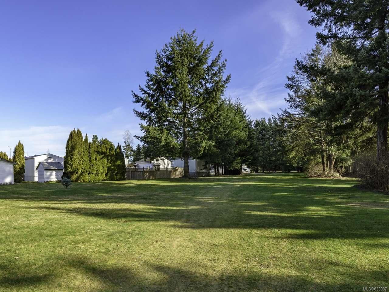 Photo 39: Photos: 64 390 Cowichan Ave in COURTENAY: CV Courtenay East Manufactured Home for sale (Comox Valley)  : MLS®# 833987