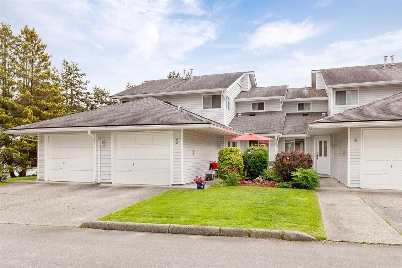 Main Photo: 5 1190 FALCON Drive in Coquitlam: Eagle Ridge CQ Townhouse for sale : MLS®# R2585785