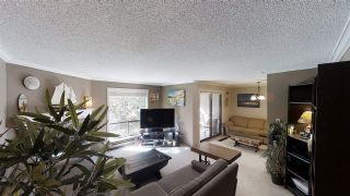 """Photo 4: 10573 HOLLY PARK Lane in Surrey: Guildford Townhouse for sale in """"Holly Park Lane"""" (North Surrey)  : MLS®# R2461825"""