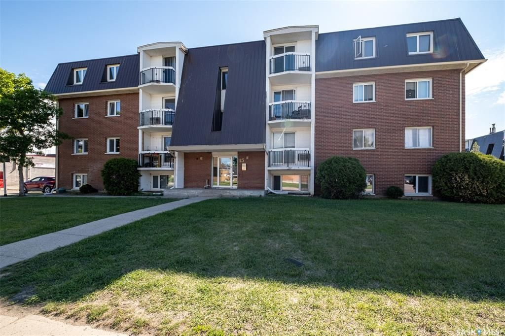 Main Photo: 12 43 Centennial Street in Regina: Hillsdale Residential for sale : MLS®# SK839652