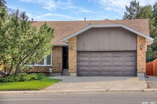 Photo 1: 7215 SHERWOOD Drive in Regina: Normanview West Residential for sale : MLS®# SK870274