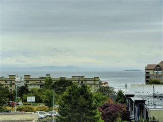 Photo 3: 802 379 Tyee Rd in Victoria: VW Victoria West Condo for sale (Victoria West)  : MLS®# 843962