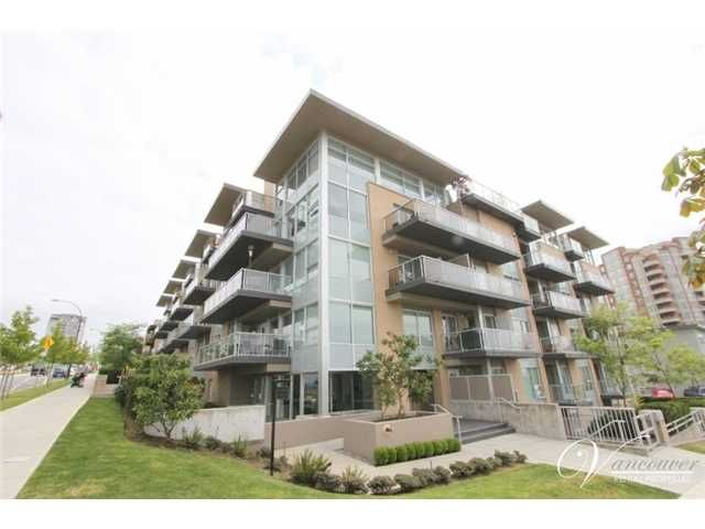 Main Photo: # PH2 1288 CHESTERFIELD AV in North Vancouver: Central Lonsdale Condo for sale : MLS®# V990809
