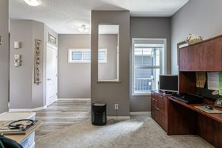 Photo 2: 359 Hillcrest Circle SW: Airdrie Detached for sale : MLS®# A1100580