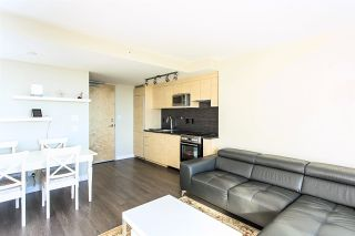 "Photo 5: 2704 488 SW MARINE Drive in Vancouver: Marpole Condo for sale in ""MARINE GATEWAY"" (Vancouver West)  : MLS®# R2211706"