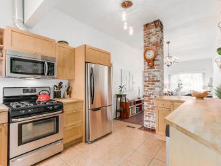 Photo 9: 1613 E 4TH AVENUE in Vancouver: Grandview VE House for sale (Vancouver East)  : MLS®# R2096953