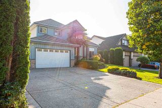 "Photo 3: 21060 86A Avenue in Langley: Walnut Grove House for sale in ""Manor Park"" : MLS®# R2505740"