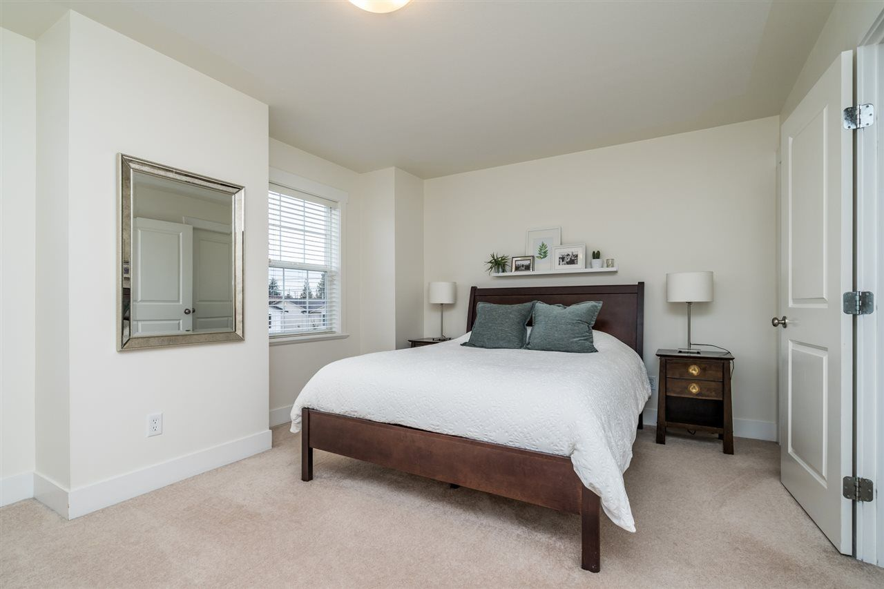 """Photo 18: Photos: 34777 1ST Avenue in Abbotsford: Poplar House for sale in """"Huntingdon Village"""" : MLS®# R2545017"""