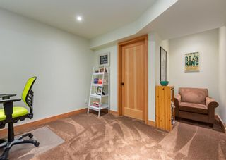 Photo 38: 3322 41 Street SW in Calgary: Glenbrook Detached for sale : MLS®# A1069634