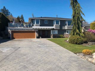 "Photo 2: 377 55 Street in Delta: Pebble Hill House for sale in ""PEBBLE HILL"" (Tsawwassen)  : MLS®# R2571918"