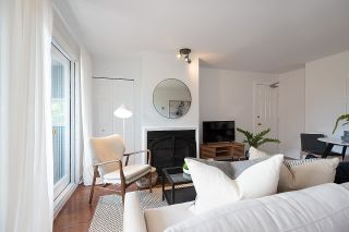 """Photo 3: 4 2017 W 15TH Avenue in Vancouver: Kitsilano Townhouse for sale in """"Upper Kits/ Lower Shaughnessy"""" (Vancouver West)  : MLS®# R2595501"""