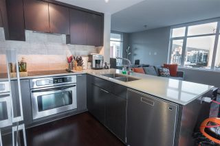"""Photo 5: 1407 1320 CHESTERFIELD Avenue in North Vancouver: Central Lonsdale Condo for sale in """"THE VISTA"""" : MLS®# R2108506"""