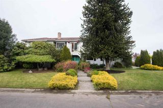 "Photo 1: 256 ROBSON Place in Delta: Pebble Hill House for sale in ""PEBBLE HILL"" (Tsawwassen)  : MLS®# R2574786"