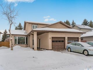 Photo 1: 458 Wakaw Court in Saskatoon: Lakeview SA Residential for sale : MLS®# SK837644