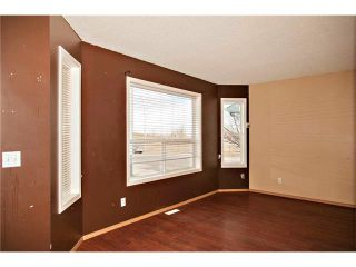 Photo 3: 87 APPLEBROOK Circle SE in Calgary: Applewood Park House for sale : MLS®# C4088770