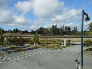 """Photo 4: 214 13468 KING GEORGE Boulevard in Surrey: Whalley Condo for sale in """"Brookland"""" (North Surrey)  : MLS®# R2111340"""