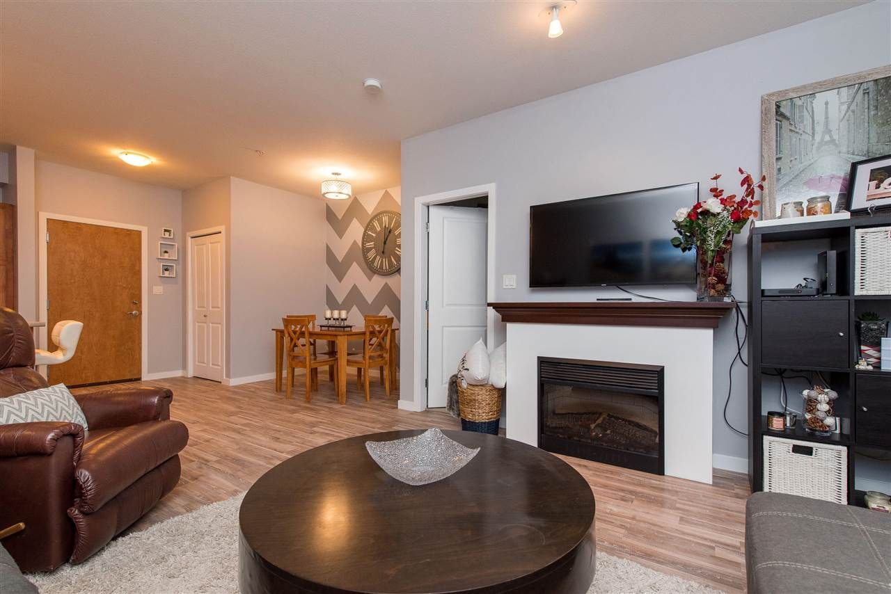 """Photo 14: Photos: 309 33318 E BOURQUIN Crescent in Abbotsford: Central Abbotsford Condo for sale in """"NATURES GATE"""" : MLS®# R2530844"""