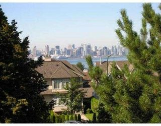 Photo 8: 615 CHESTERFIELD AV in North Vancouver: Lower Lonsdale 1/2 Duplex for sale : MLS®# V559556