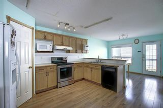 Photo 3: 1016 Country Hills Circle NW in Calgary: Country Hills Detached for sale : MLS®# A1049771