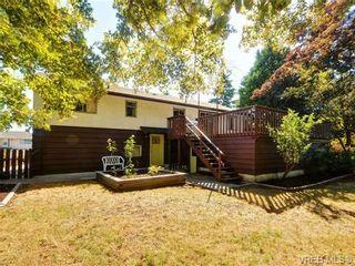 Photo 2: 3720 Casey Dr in VICTORIA: SW Tillicum House for sale (Saanich West)  : MLS®# 682467