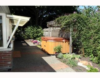 """Photo 9: 4785 WESLEY Drive in Tsawwassen: English Bluff House for sale in """"THE VILLAGE"""" : MLS®# V777978"""
