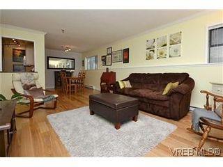 Photo 3: 104 439 Cook St in VICTORIA: Vi Fairfield West Condo for sale (Victoria)  : MLS®# 596917