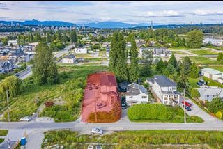 Photo 3: 129 JARDINE Street in New Westminster: Queensborough House for sale : MLS®# R2558383