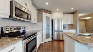 Photo 2: 5811 7 ave SW in Edmonton: House for sale : MLS®# E4238747