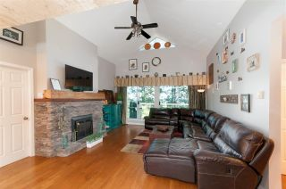 Photo 3: 301 2733 ATLIN Place in Coquitlam: Coquitlam East Condo for sale : MLS®# R2532056