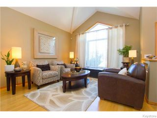 Photo 2: 72 Meadowcrest Bay in Winnipeg: River Grove Residential for sale (4E)  : MLS®# 1623140