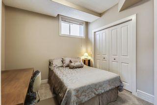 Photo 27: 68 CRESTRIDGE Way SW in Calgary: Crestmont House for sale : MLS®# C4128621